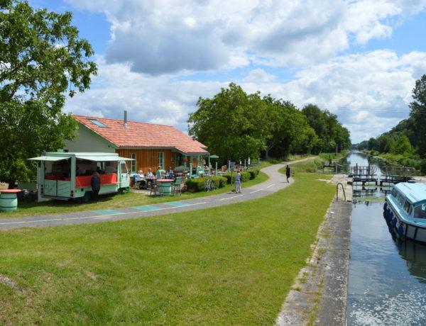 Au fil du Canal de Garonne, l'Écluse 50…